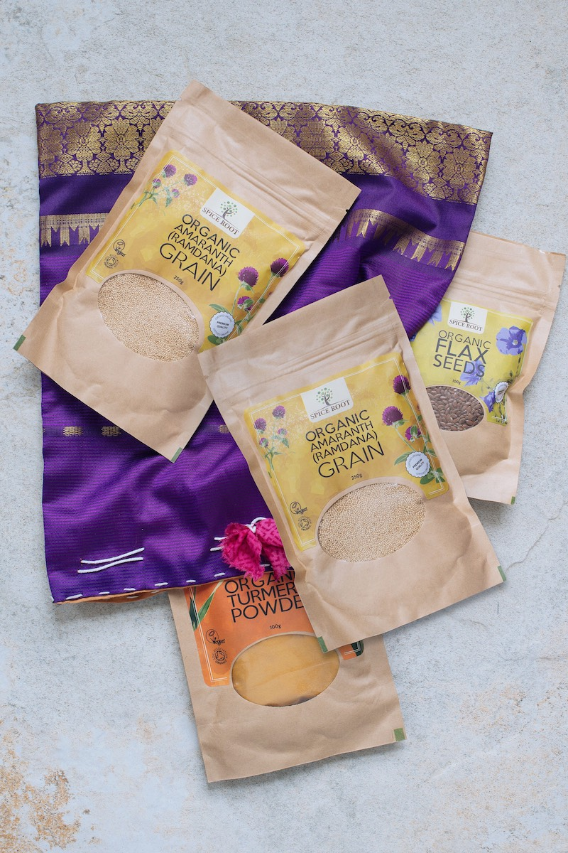 Organic healthy breakfast kit comes with a hand-made cloth bag